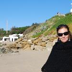 """Den långa """"öde"""" stranden nedanför hotellet"""