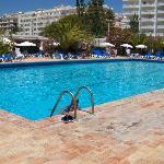 piscina gigante...
