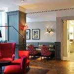 Quarter Bar and Lounge
