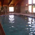 Clean and comfortable big pool
