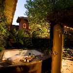 Villa 1 private courtyard with outdoor spa tub