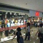H&M shop in HK