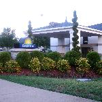 Days Inn Entrance