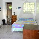 Zimmer mit Einrichtung