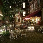 Priory Hotel Garden Courtyard
