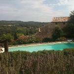 vue de la piscine des lauriers