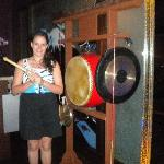Ring the gongs and drum to announce your arrival!