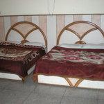 OYO 1396 Hotel Mehra Inn