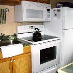 Full kitchen, dishwasher too!