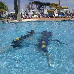 Scuba lessons in hotel pool