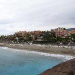 Das Hotel von untem am Strand Fotografiert