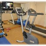 Well Equiped Fitness Facility-Eat in-Work out!