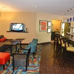 Hampton Inn Loveland - Lobby Breakfast area