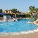 Photo de Lantana Resort, Hotel & Apartments