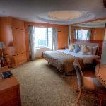 Deluxe Suite Room 2125