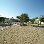 La taverne de la plage, idéal pour le déjeuner, en terrasse à l'extérieur