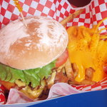 ' ' from the web at 'https://media-cdn.tripadvisor.com/media/photo-l/01/f1/4f/cb/teddy-s-bigger-burgers.jpg'