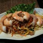 Salade de mangue aux crevettes (entrée)