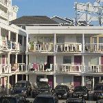 The Coliseum Ocean Resort
