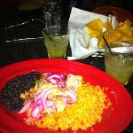dry bland carnitas, terrible black beans, tasted like water. Can find much yummier and better va