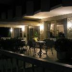 INGRESSO HOTEL DI SERA