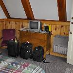 Dresser and heater