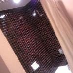 Cool tiling in the bathroom....