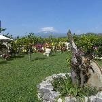 Il giardino con vista sull'Etna
