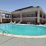 baymont inn & suites 0