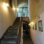 l'ingresso alla reception e alle camere