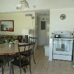 kitchen/dining/ living