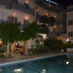 ночной вид отеля