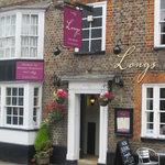 Front view of Longs Inn
