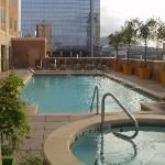 Photo de Embassy Suites by Hilton Houston Downtown