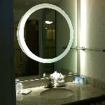 Double Bed Suite - vanity