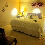 Master bedroom, Sir Badger Suite