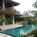 2 stories 4 bedroom villa with 100 m2 pool