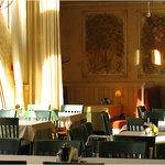 The hall of La Cipolla restaurant