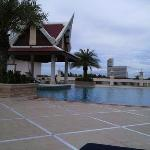 one of the pools with swim up bar