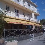 la terrasse pour les PDj et le restaurant