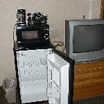 Microwave & fridge