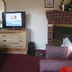 fireplace, flat screen tv