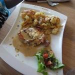 truffade et escalope au jambon d'auvergne gratinée au Cantal