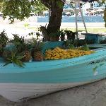 des fruits frais sur la plage tous les matins