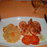 Flavouful shrimps in souce lemon and carrot rice