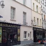 """El hotel es una vieja """"Boulangerie"""". Hermoso."""