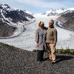 Jeaninne en René uit Hasselt aan de Salmon Glacier Hyder/Stewart