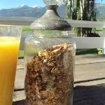 Diana's homemade granola, yum!