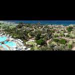 Blick auf Pool-Landschaft und Minigolf-Park am GRAN ANFI