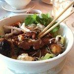 Omai salad entree (pork/spring toll vermicelli)